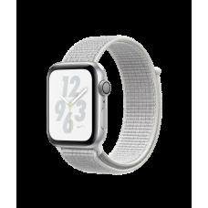 Apple Watch Nike+ Series 4, 44 мм, корпус из алюминия серебристого цвета, спортивный браслет Nike цвета «снежная вершина»